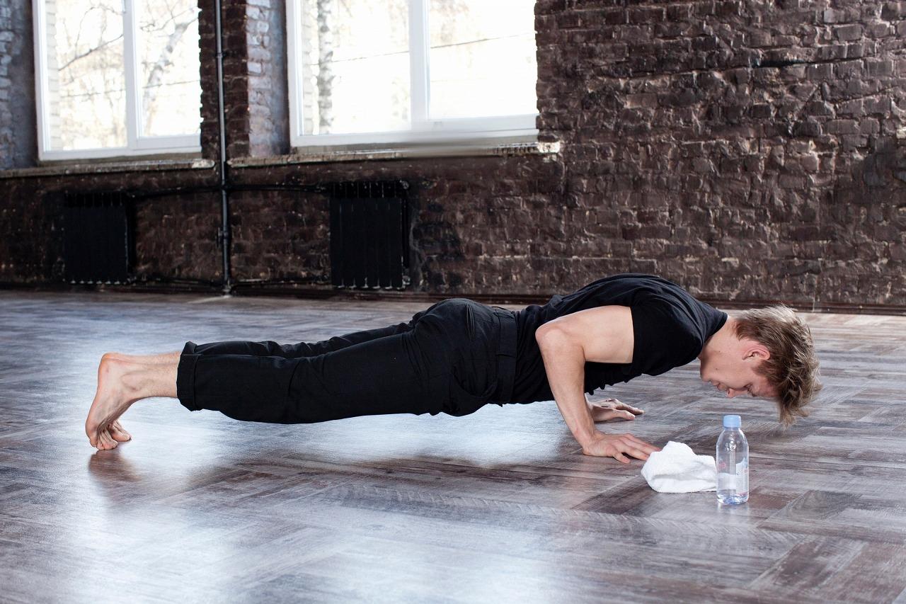 自重トレーニングのみでどれだけ筋肥大できる?自宅でできるおすすめ自重トレーニングとは